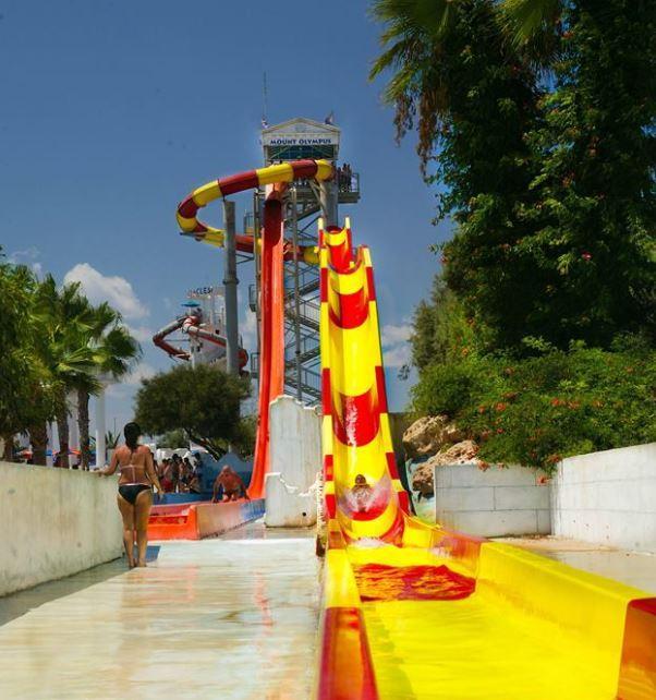 Водные горки аквапарка Айя Напа на Кипре WaterWorld